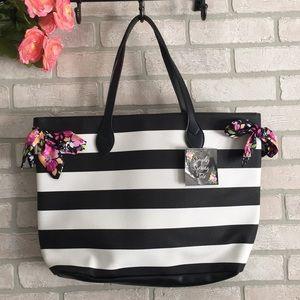Handbags - Simply Spring Tote